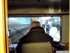 Dr. Levin - Betriebsleiter U-Bahn - fährt den Zug hinauf zum Jungfernstieg.