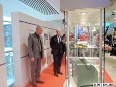 Es gibt zwei Ausstellungsflächen mit Zeitrahlen im 2. OG