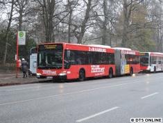 S1-Ersatzverkehr: Aufgrund von Stellwerksarbeiten ist die S1 heute zwischen Hasselbrook und Poppenbüttel gesperrt, auch zum Flughafen fahren Busse.