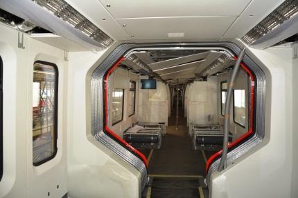 Fertigung der neuen S-Bahnfahrzeuge im Bombardier Werk Hennigsdorf - Durchgängigkeit beim neuen ET 490