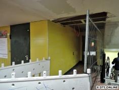Der Aufzug von der Schalterhalle zum Bahnsteig nimmt inzwischen auch Form an