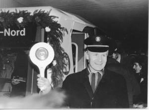 Bürgermeister Henning Voscherau eröffnet die Strecke. Bild: HOCHBAHN