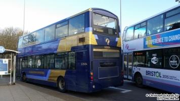 """Eine weitere Expresslinie ist die X7, auf der ebenfalls speziell lackierte Wagen eingesetzt werden. Auf dem Weg von Bristol nach Newport in Wales fährt er über die 1,6 Kilometer lange """"Severn Bridge"""", die die Mündung des Fluss """"Severn"""" überspannt."""