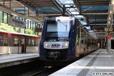 LINT in Norderstedt Mitte - hier kommen die Züge eigentlich nicht hin. Zuletzt vor rund 10 Monaten im Rahmen der Messfahrt für Spaltmaße.