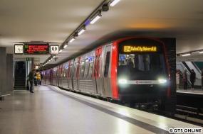 351 in Berliner Tor (U4 HafenCity Universität)