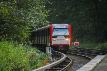 Kurze Zeit später kommt er Zug auf dem Weg nach Ohlstedt wieder zurück.