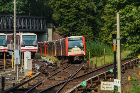 Einfahrt in die Haltestelle Volksdorf