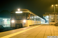 Mit knapp einer Stunde Verspätung erreicht der Traditionszug wieder das S-Bahn-Netz und wird in wenigen Momenten wieder ins Betriebswerk Ohlsdorf geschoben. Vor der Rückfahrt wurde in Hamburg Süd die 218 noch einmal an die Spitze umrangiert.