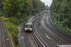 Eine Minute später folgte einige Meter weiter der Traditionszug der S-Bahn.