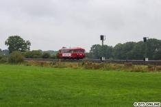In diesem Jahr wieder dabei war die AKN mit einem ihrer beiden Schienenbusse. Er wird in Kürze den Haltepunkt Hasloh durchfahren.