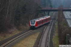 Es sollte ein zweites Mal nach Wedel gehen, dieses Mal passte ich den Zug in Rissen ab.