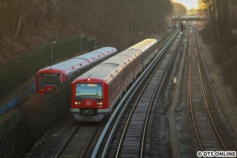 Am Morgen des 6. Januar erreicht 474 025 in Kürze den Bahnhof Ohlsdorf.
