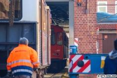 """Gut zu erkennen an dieser Stelle ist bereits der dritte Zug des Tages. Richtig gehört: 9 Wagen wurden pro Tag abtransportiert (beim DT2 """"nur"""" 6). Es handelt sich um die Einheit 924."""