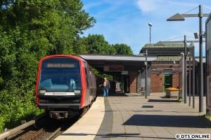 Die Fahrzeuge 303 und 301 machen derzeit wieder Testfahrten im Netz, so auch am 6. Juli in Ohlsdorf.