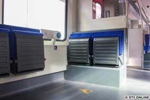 Direkt hinter den Fahrerräumen befindet sich ein Mehrzweckabteil, inklusive Sprechstellen für Rollstuhlfahrer.