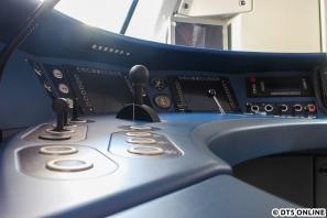 Detailaufnahme im Fahrerstand des 490 002
