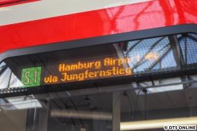 Nach Toreschluss konnten nochmal andere Ziele getestet werden, S1 Hamburg Airport zeigt zusätzlich vorn und seitlich sowie auf den Innenanzeigen ein Flugzeugsymbol.