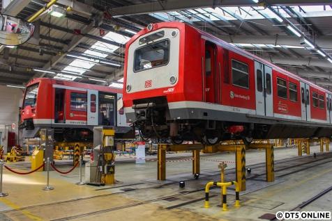 Die selben Züge noch einmal von der Seite. An dieser Stelle endet der erste Fotobericht, in Kürze folgt ein weiterer.