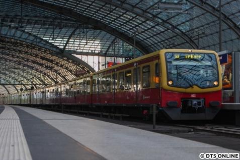 Nach Jahren der Kürzung fährt die S3 auch wieder am Hauptbahnhof. Für Hamburger ein schräger Satz ;)