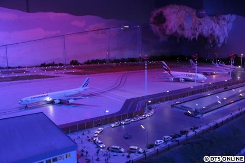 Loxx, Flughafen (2)