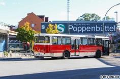 """Ein Gruppenbild: VHH-Museumsbus, trifft S-Bahn-Traditionszug, nur diese """"neuartige S-Bahn"""" passt nicht ganz."""