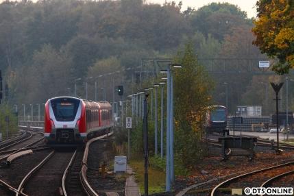Unerwarteterweise ging es nicht zurück ins Werk sondern in die Innenstadt, sodass eine Aufnahme mit dem DT5-Doppel 313+311, welches von den Nacharbeiten bei Alstom in Salzgitter heute zurückkehrte...