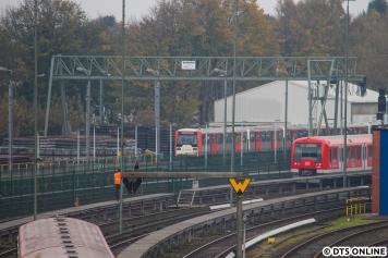 Währenddessen steht 807 (und dahinter 808) auf dem Lagerplatz Ohlsdorf
