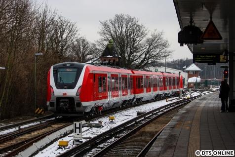 """9005 kam """"kürzlich"""" nach Hamburg und ist das erste Serienfahrzeug, welches Hamburger Boden erreichte."""