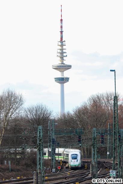 Der grüne ICE blieb zwischen Hauptbahnhof und Dammtor liegen, leider konnte ein Foto über die Binnenalster aus Zeitgründen nicht umgesetzt werden.