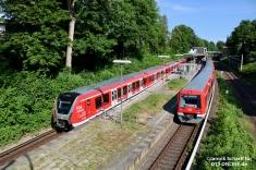 Die Testfahrt führte von Ohlsdorf über Poppenbüttel und Altona wieder nach Poppenbüttel. In Wandsbeker Chaussee kam 490 507 neben dem bereits redesignten 474 028 zum Stehen, da er von der vorausfahrenden S1 ausgebremst wurde.