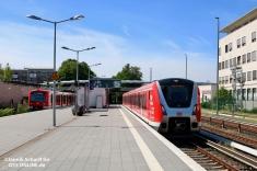 Nach der Schleifenfahrt über Altona kam 490 507 wieder in Poppenbüttel an. Der Zug machte sich nach einem kurzen Aufenthalt wieder auf nach Ohlsdorf, um die ersten Teilnehmer der Sonderfahrt aufzunehmen.