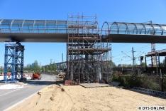 Hier werden die Brückenteile miteinander verbunden.