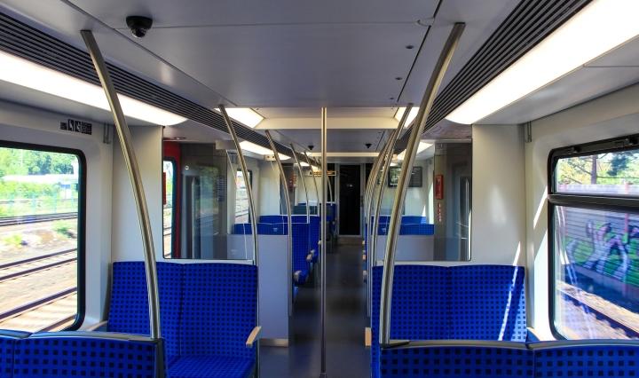Blick durch den Innenraum des ET 490