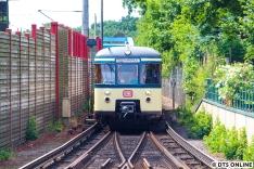 Kurz danach stieß 470 128 der S-Bahn Hamburg dazu.