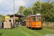 Fahrschulwagen 3999 vom Typ LW stammt aus dem Jahr 1956, ebenfalls von Falkenried gebaut. Dahinter der aus den 1920ern gebaute, und bis 1978 eingesetzte Rangierwagen 4.