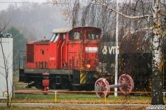 345 107 ist für den Rangierdienst im BT Werk Hennigsdorf zuständig und rangiert die hinteren Bremswagen für die ICE 4 Überführung zusammen