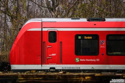 490 102 steht als S1 Barmbek im BT Werk Hennigsdorf abgestellt