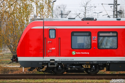 490 601 steht im BT Werk Hennigsdorf abgestellt, bisher ohne Stromabnehmer für die Hamburger Stromschiene