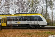 8442 302 steht auf der Teststrecke im BT Werk Hennigsdorf und es werden diverse Tests durchgeführt