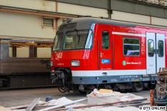 Am 3. Juni ging es nochmal nach Berlin, in Hennigsdorf knipste ich nicht nur ET 490 bei Bombardier, sondern auch durch den Zaun bei FWM, wo DT3 834 und ein Halber ET 420, nämlich 420 460 der S-Bahn München standen.