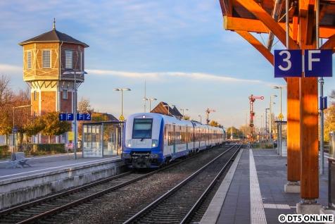 Auch ein wenig HDR darf nicht fehlen: MP-Wagen auf dem RE6 nach Hamburg erreichen Niebüll.