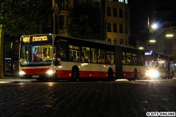 In der selben Nacht hielt ich erstmals Nachtbusse fest, so auch 7853, der bald in Rente gehen dürfte. In der Nacht lief er auf der Linie 607 nach Poppenbüttel.