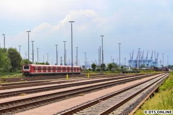 Eine Ära nährt sich dem Ende: Am 17. Juni fotografierte ich den 472 028 in Hamburg Süd, der Zug wurde inzwischen zur Verschrottung zu Bender nach Opladen verbracht.