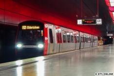 Am 23. August wurde zur Erprobung des Fahrgastinformationssystems ein DT5-Kurzzug zu den Elbbrücken geschoben. Dazu gab es hier bei DT5 Online einen eigenen Bildbericht...