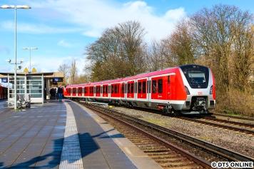 Im besten Sonnenlicht wurde 490 120 und 119 ins S-Bahn-Werk geschoben.