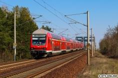 Wegen Fahrzeugmangel bei der DB Regio fahren derzeit auch Doppelstock-Züge mit, so auch dieser hier vom Typ DABpbzf 762. Geschoben wurde der Zug von der 143 248. Danach konnten noch zwei weitere Dosto-Garnituren (mit anderen Steuerwagen) festgehalten werden.