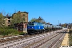 Die 218 201 ist erst seit Februar bei der EGP und war zuvor zehn Jahre abgestellt. Noch strahlt die Lok in blau... Wie neu.