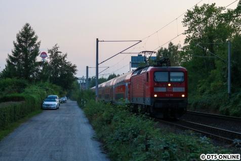 Auf dem Weg nach Hamburg fuhren wir für ein Bild einer 112 für den Frankfurter Besuch von der Autobahn ab. In der Sommersaison fahren hier tagsüber Dostos, sonst nur kleine LINT.