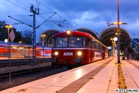 Frühes Aufstehen sollte sich lohnen: Der VT3.09 mit dem 3.08 morgens um kurz nach sieben in Kiel.