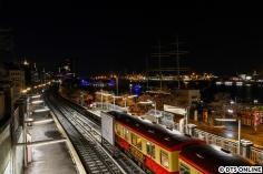 Der Zug wendete St. Pauli und fuhr dann wieder zurück. Dabei entstand dann auch dieses Klassiker-Bild.